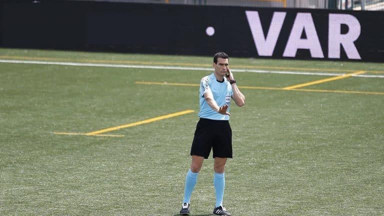 La UEFA aprueba el uso del VAR en la Champions 2018/19
