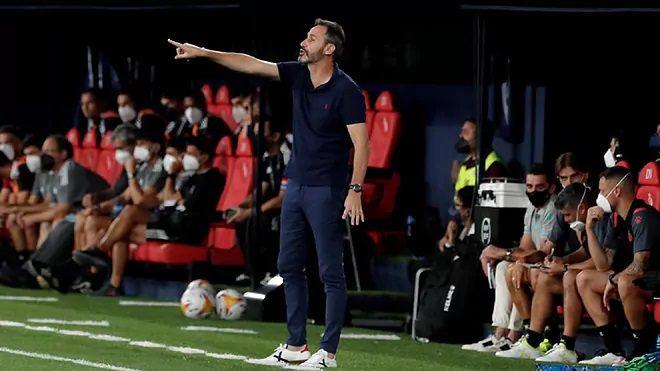 Vicente Moreno, se mostró satisfecho del rendimiento de sus futbolistas