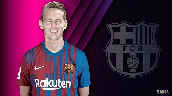 Oficial: De Jong ficha por el Barcelona El delantero del Sevilla llega al Camp Nou en calidad de cedido